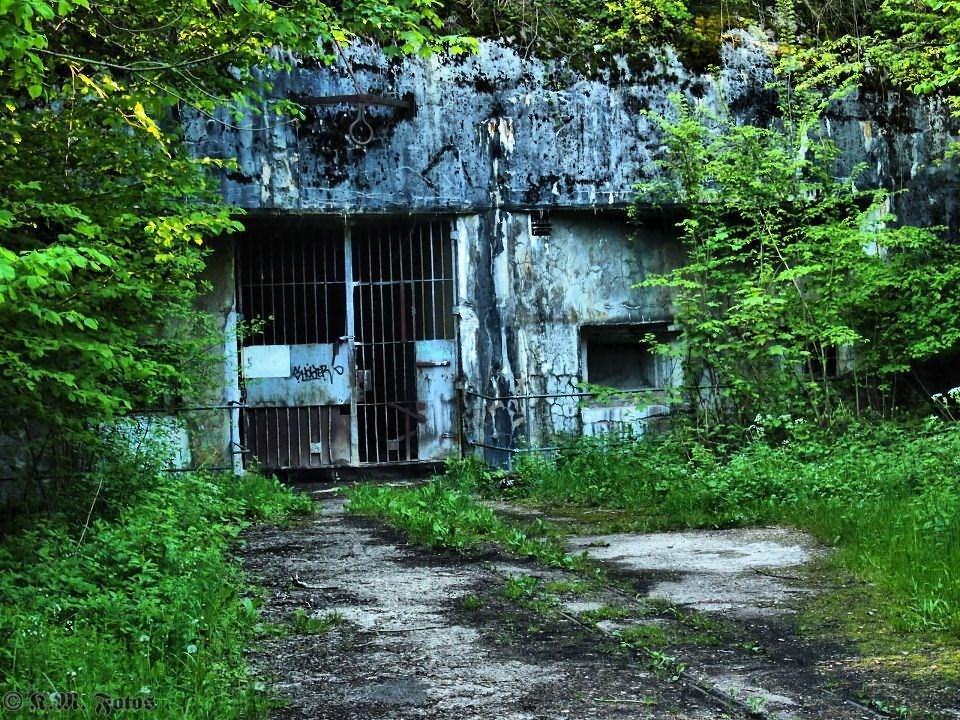EM Bunker